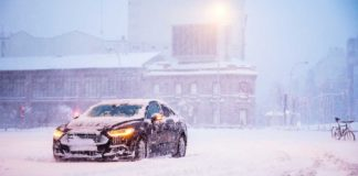 Get-the-Truck-Ready-with-Three-Accessories-for-winter-on-allstory-site